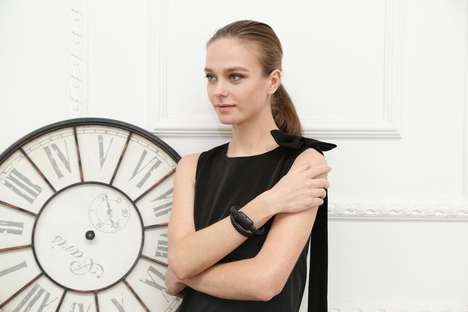 The 'NIFTYX' Power Bank is Worn on the Wrist as a Piece of Jewelry