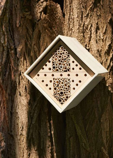 Portable Beekeeping Kits - Wildlife World's Urban Bee House Doubles as a Compact Nest