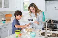 Family-Friendly Baking Kits - Foodstirs' Organic Cake Pop Kit is Designed for Foodies of All Ages