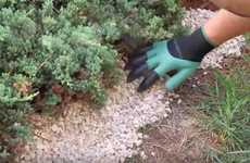 Clawed Gradening Gloves - The Garden Genie Gloves Let Wearers Dig and Scrape without Tools