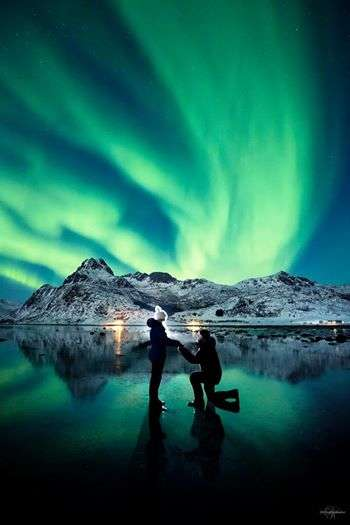 Natural Phenomenon Proposals - This Northern Lights Marriage Proposal Celebrates Nature's Beauty