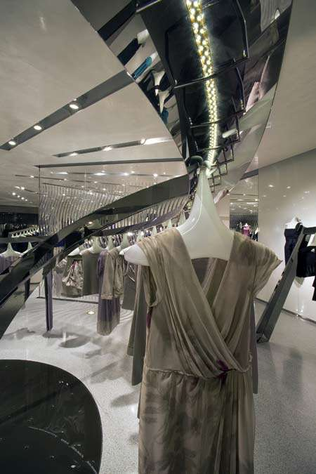 Ethereal Clothing Stores - Alberta Ferretti's Flagship Los Angeles Location is Heavenly