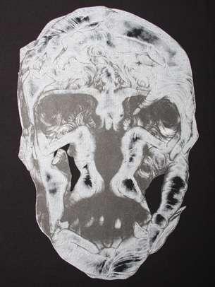 Feminine Physique Skulls