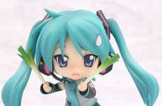 Anime Figurines in Costume - MikkuMiku Kagami Nendoroid Reflects International Cosplay Craze