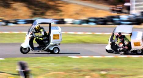 Pizza Delivery Races - Pizza Little Party Tested Honda's Delivery Scooter in a Race of Speed