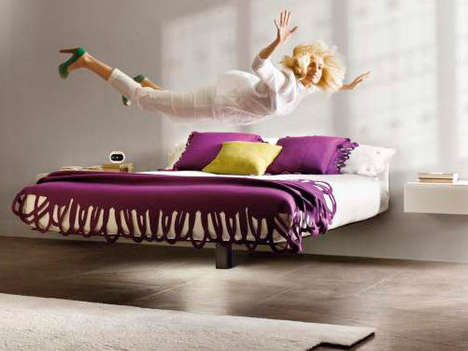The Fluttua Bed Balances on a Leg and Looks Like It is Hovering