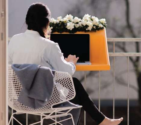 Balcony Desk Concepts - The Balkonzept is a Desk That Fits on Any Standard Balcony