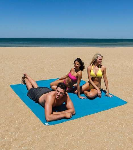 Sand-Free Beach Mats - 'The Quicksand Mat' Has a Mesh Pattern That Keeps Your Area Sand Free