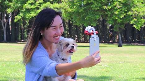 The 'Flexy Paw' Treat Holder Ensures Optimal Dog Photos