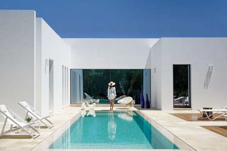 Lavish All-White Abodes - Casa Pinto is a Modern Beach House with a Stark Exterior Facade