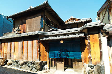 Traditional Japanese Coffee Shops - The Starbucks Coffee Kyoto Ninenzaka Yasaka Tea Parlor is Ornate