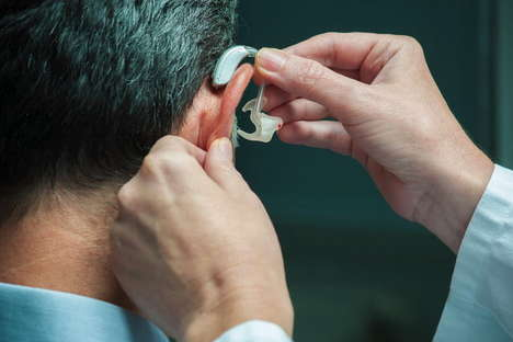 Cognitive Hearing Aids - This Device Reads Brainwaves to Make It Easier to Communicate in Crowds
