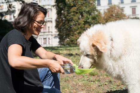 Portable Pet Water Bowls - The 'Leaf' Pet Water Bowl Attaches onto Any PET Bottle