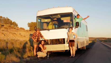 Rural-Reaching Legal RVs - The Sante Fe Dreamers Project's Dreams on Wheels Helps Immigrant Youth