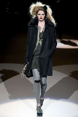 Hobo Glam - Diesel Black Gold Fall Show Mixed Frumpy Streetwear With Sparkle