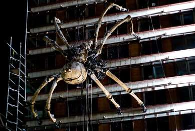 Giant Steampunk Spiders