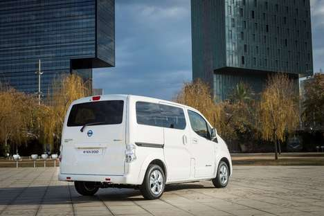 Range-Roving Electric Vans - The Nissan e-NV200 Offers Expanded Range In a Zero Emissions Package