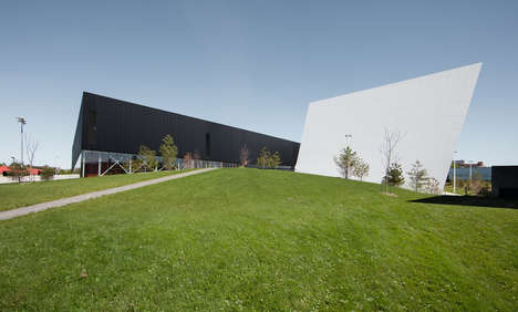 Angular Sports Complexes - The Saint-Laurent Sports Complex Punctuates the Surrounding Outdoor Space