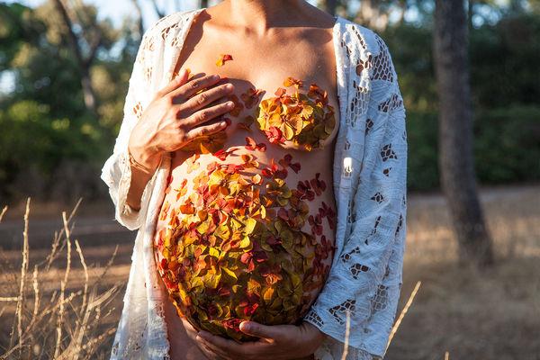 Botanical Baby Bump Photography