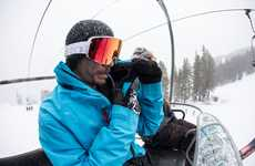 Hydration-Focused Snowboard Jackets - 686's High-Tech Snowboard Jacket Features a Hydrastash System