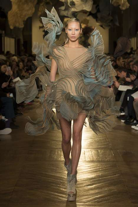 Hybrid 3D-Printed Couture