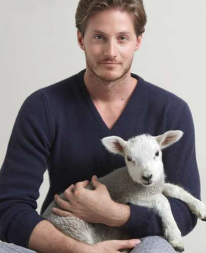 Animal-Friendly Merino Wool Pullovers - Zue Anna Places Animal Needs First and Produces Stylish Wear