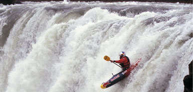 Jet Kayaking - Shaun Baker's 330cc Engine Gives Kick to the Traditional Kayak