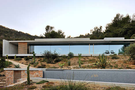 Aum Architects Built the 'La Mira Ra House' in the South of France