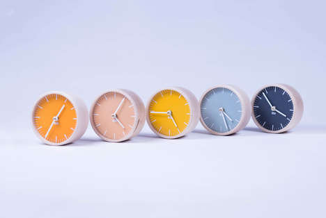 Minimalist Modern Desk Clocks