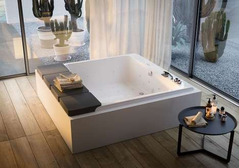 Skin-Enriching Massaging Bathtubs - The Glass 1989 'Mawi' Bathtub Offers a Total Body Massage