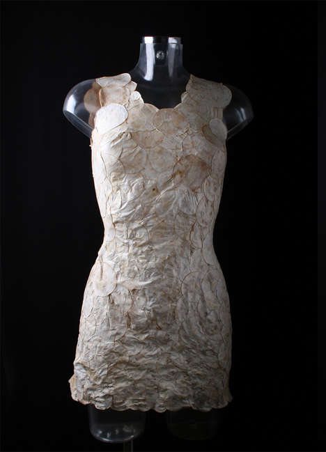 Vegetation-Based Textile Experiments - Aniela Hoitink Used Mycelium to Create The Neffa Dress