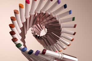 Color-Emphasizing Lip Shade Campaigns