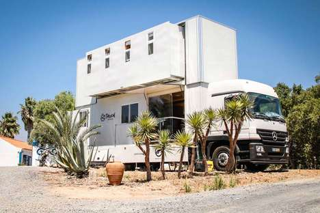 Travel Van Resorts - The Truck Surf Hotel is an Oceanside Van That Offers a Luxe Travel Experience