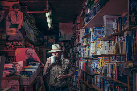 Explorative Bookstore Photography