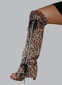 Zip-Up Leg Warmers