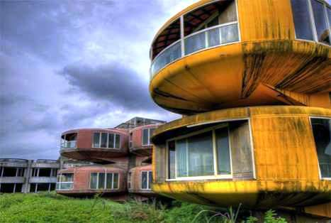 15 Fascinating Abandoned Structures and Lost Towns