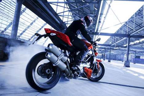 "Rubber-Burning Naked Bikes – The Wild ""Ducati Streetfighter"" Flashes Powerful Raci"
