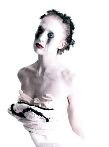 Statuesque Goddess Fashion