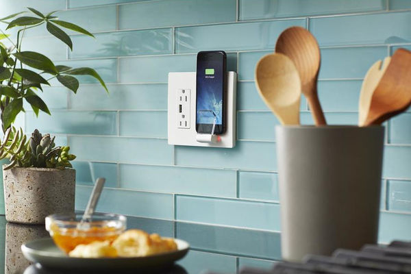 Qi Enabled Wall Outlets : Legrand Radiant