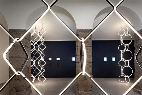 Chained Modular Lighting Systems