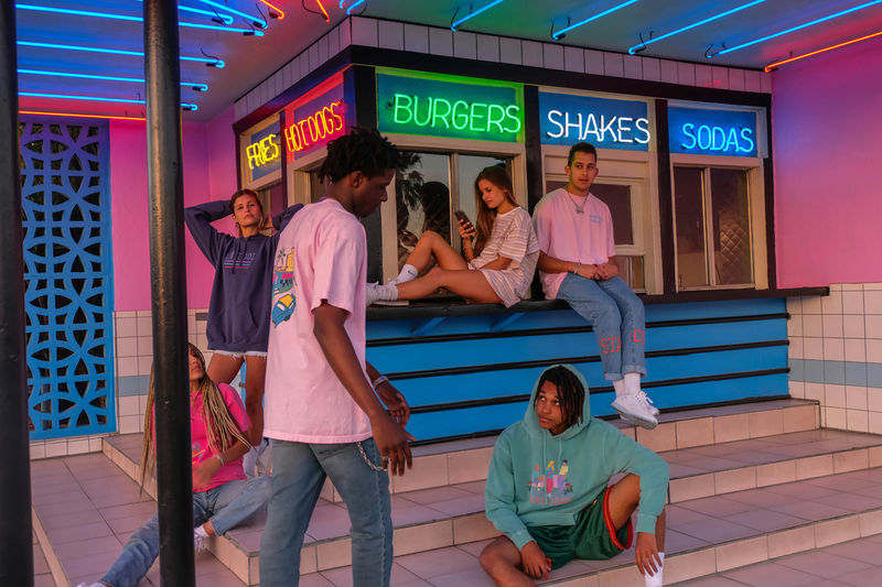 80s-Inspired Fashion Pop-Up Stores