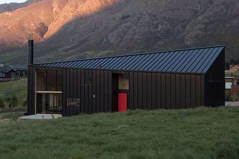 Off-Grid Cabin Rentals - Tom's House is a small yet luxurious abode on a hillside in Queenstown