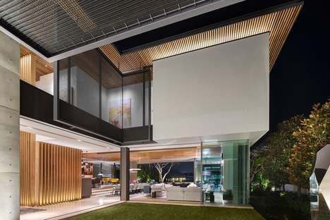 Screen-Protected Contemporary Homes