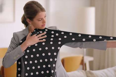 Size-Measuring Online Shopping Suits