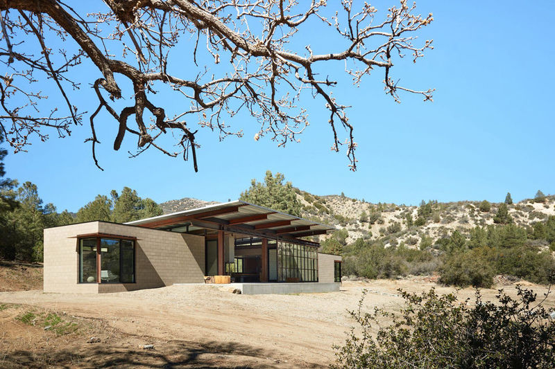 Self-Sufficient Desert Retreats