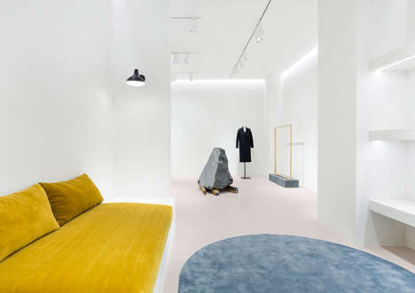 Artistically Accented Minimalist Interiors