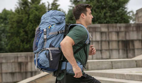 Pullley System Floating Backpacks - Lightning Pack's New HoverGlide Backpack Uses Bungee Cords