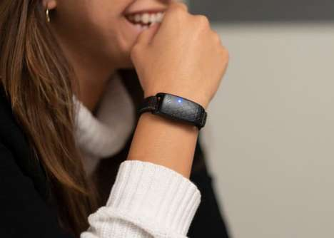 Emotion-Tracking Wearables - The 'Upmood' Lets Users Track Their Feelings and Share with Friends