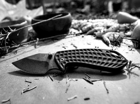 Robust Compact EDC Knives