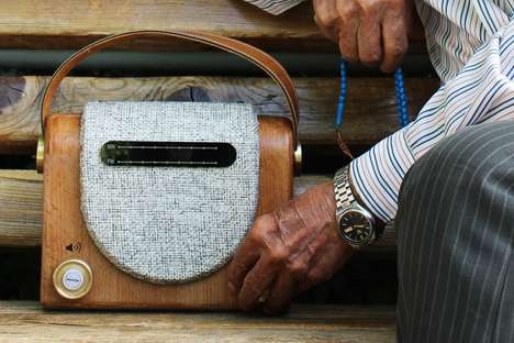 Senior-Friendly Radios - The 'Elderadio' Draws Inspiration from Equipment from the Past